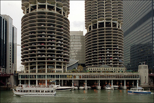 Marina City, Chicago, IL | by Xavier de Jauréguiberry