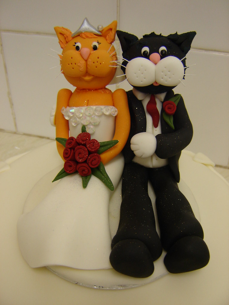 cat wedding cake toppers uk cats wedding cake topper cats and groom sugar 12462
