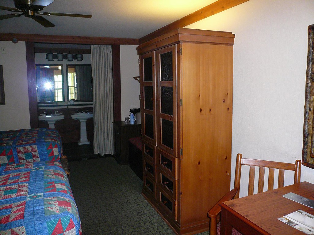 Port Orleans Hotel Room