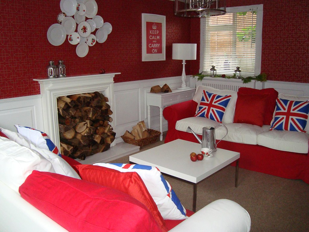 Looking at fireplace of living room chill out room 60 minu for 60 minute makeover living room designs