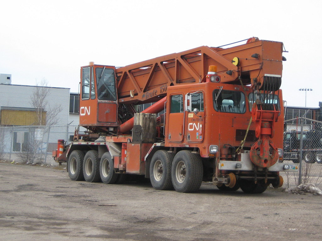 Volvo Trucks Canada >> CN Rail 070634 Hi-rail 150-ton derailment crane, Moncton ...