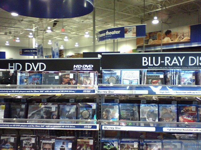 HD DVD Next to Blu-Ray at Best Buy | calaggie | Flickr