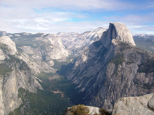 Yosemite Valley and Half Dome, along Four Mile Trail, viewed from miles away at Glacier Point (yosemite115xy) | by mlhradio