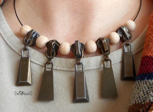 girocollo cursori zip e perle di legno 1