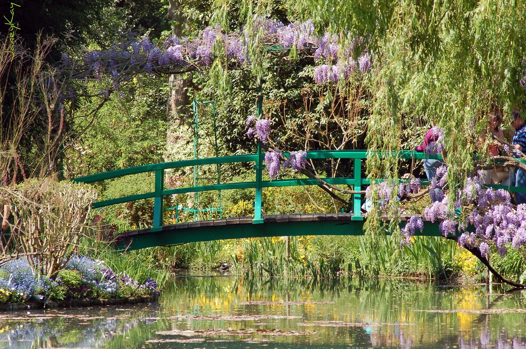 Le Pont Dans Le Jardin De Monet View On Black Jane