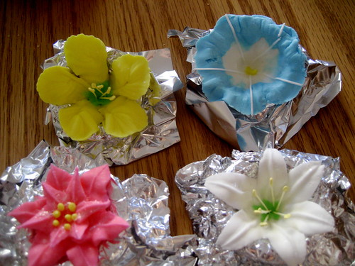 how to make royal icing flowers for wedding cakes royal icing flowers these were my royal icing 15982