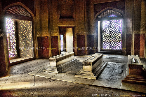 Here in these 3 tombs lie Hamida Begum (Emperor Humayun's Wife and Emperor Akbar's mother) Dara Shikoh (Emperor Shah Jahan's son) & (Wish anyone can tell me who lies in the 3rd tomb?) - Emperor Humayun's Tomb, Delhi - India | by Humayunn Niaz Ahmed Peerzaada