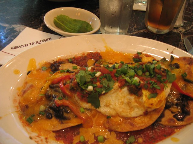 Huevos rancheros grand lux cafe great food chicago for 3d cuisine bessines 79