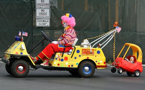 broke down clown this clown was a part of the veterans. Black Bedroom Furniture Sets. Home Design Ideas