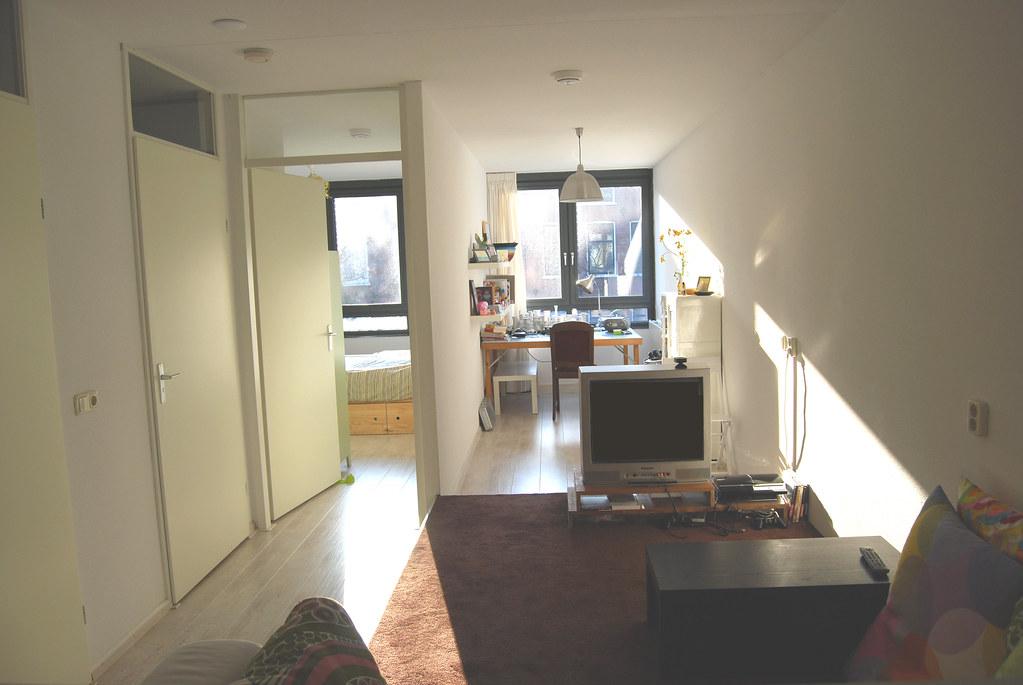 80F TV Bureau en slaapkamer | Otomodachi | Flickr