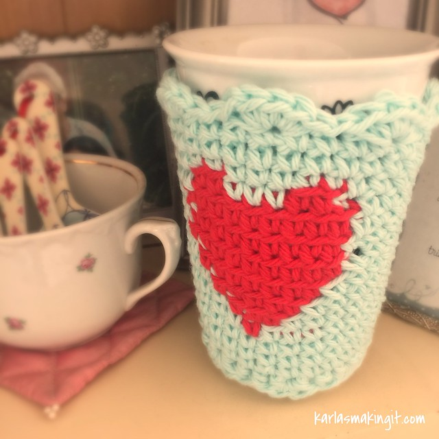 free crochet pattern for a Heart Cup Cozy!