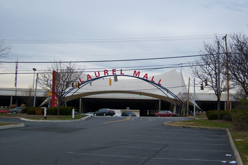 Laurel mall and laurel md front entrance off rt 1 for Route 1 motors inc laurel md