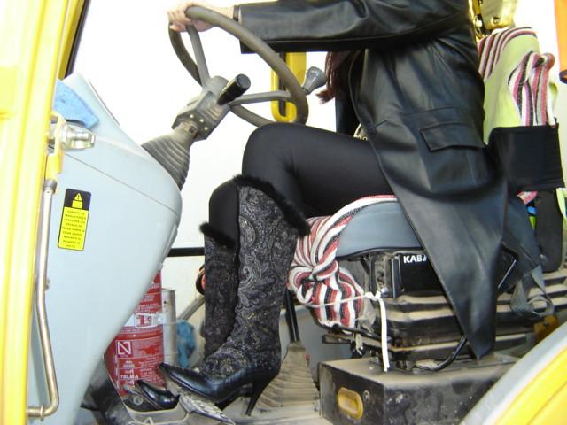 Pedal Pumping Flooring : Pedal pumping boots hot girls wallpaper