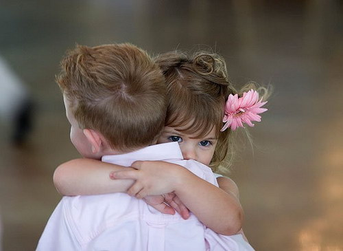 Niños abrazandose | Flickr - Photo Sharing!