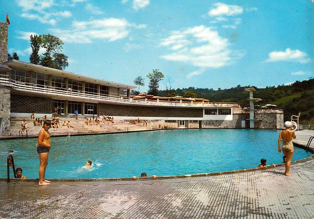 La piscina del parque sindical la felguera post for Piscina sindical zamora