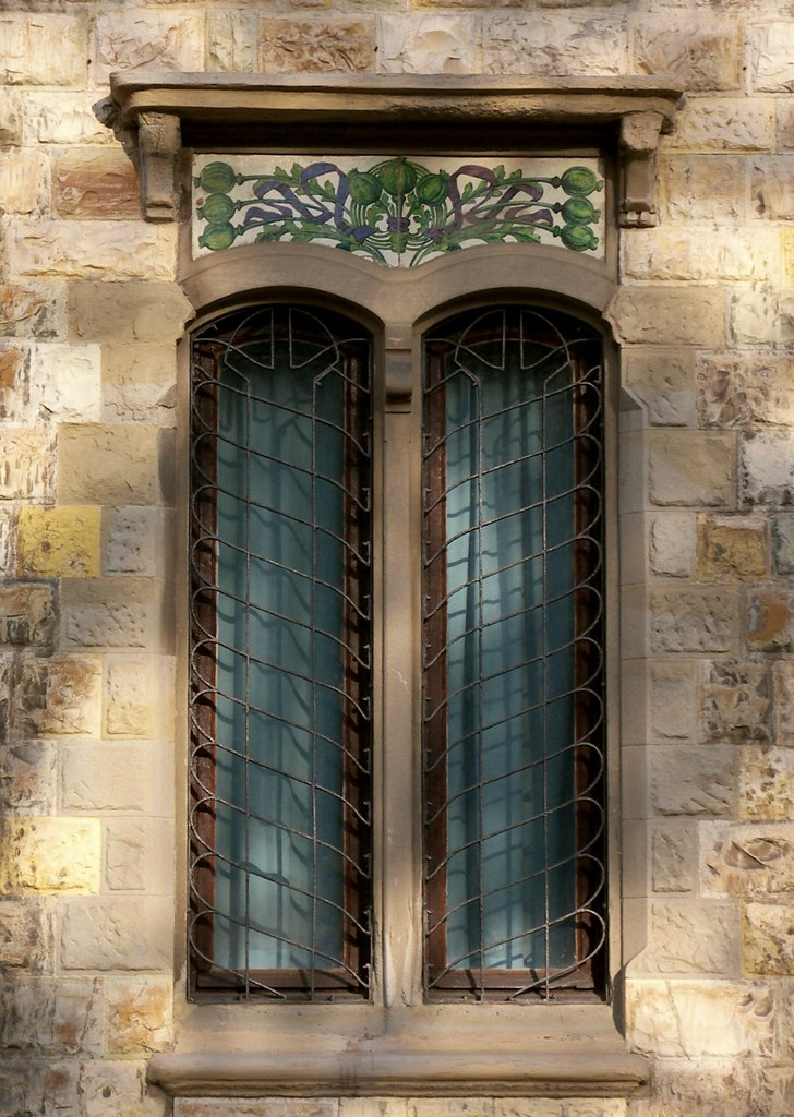 Liberty a firenze finestra al piano terreno del villino for Piano del telaio della finestra