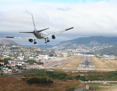 757 landing at tgu again