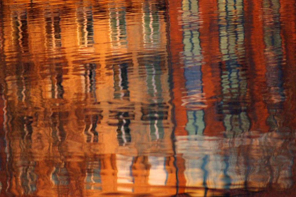 Reflets du quai de Tounis dans la garonne  Toulouse