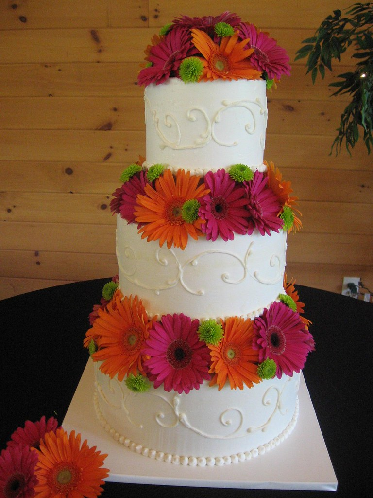 wedding cake pictures with gerbera daisies gerber cake all buttercream iced cake with gerber 23449