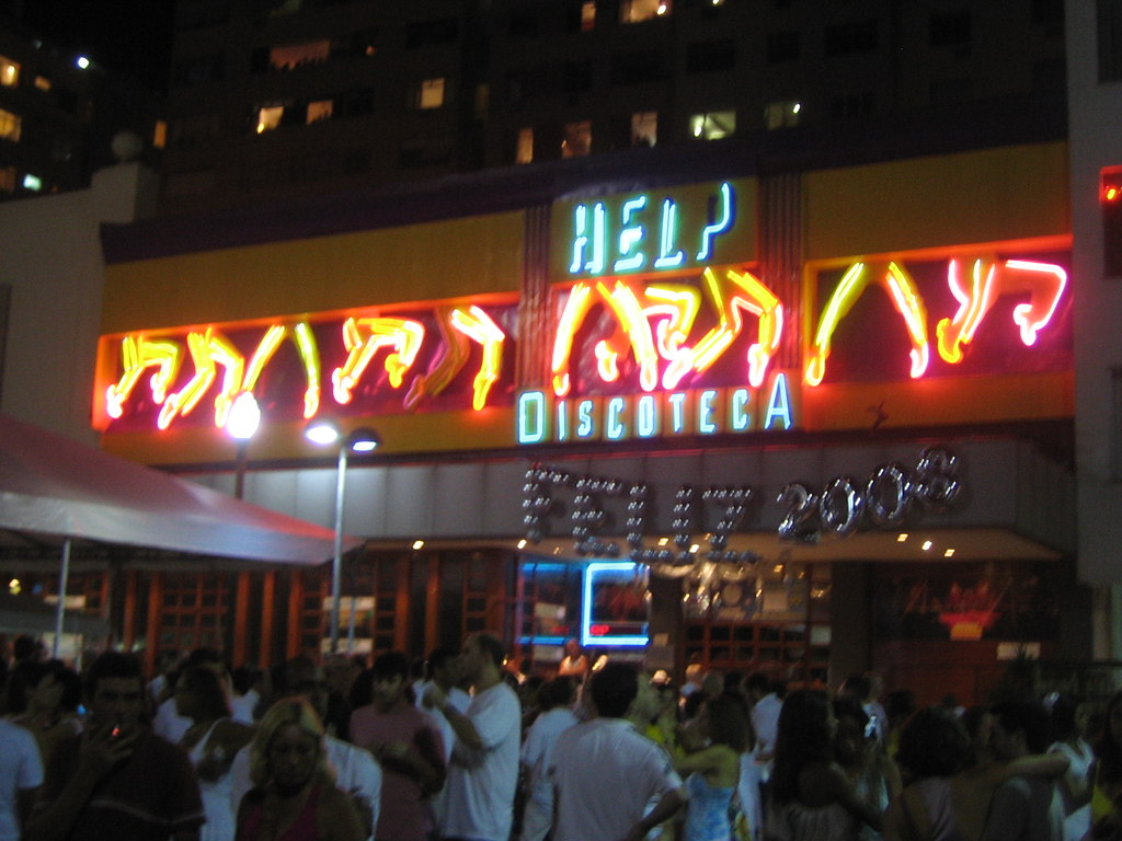 Help club at copacabana allenday flickr for Miroir nightclub rio