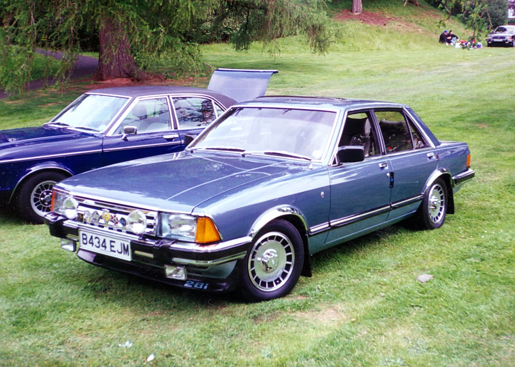 1984 ford granada ghia x a bit blingy but not too. Black Bedroom Furniture Sets. Home Design Ideas