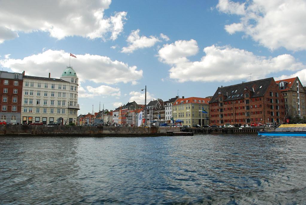 entrance to nyhavn new harbour haven in copenhagen flickr. Black Bedroom Furniture Sets. Home Design Ideas
