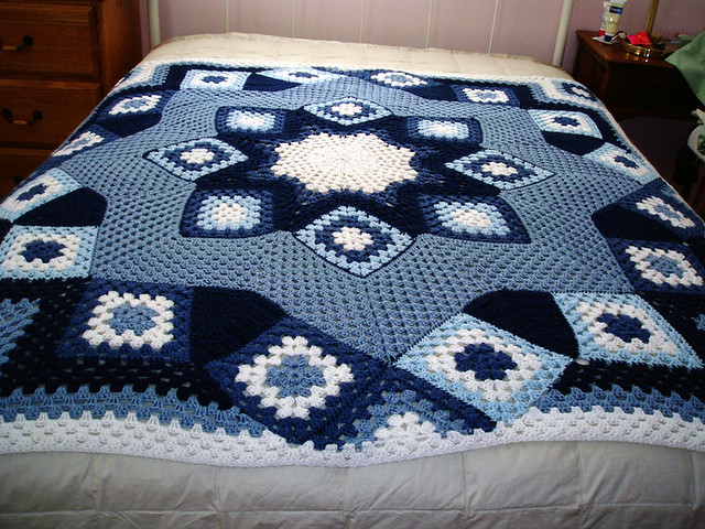 Blue Star Afghan.2 | I think it turned out very well ...