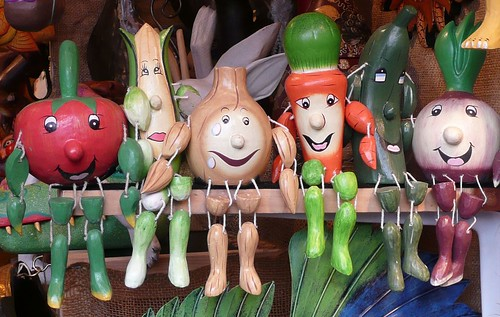 Vegetable People | Wooden vegetable people on a shelf at ...