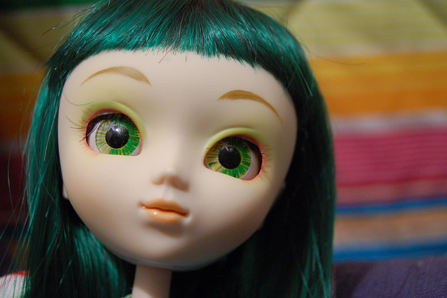 Pullip Doll Party – admiring them with big anime eyes