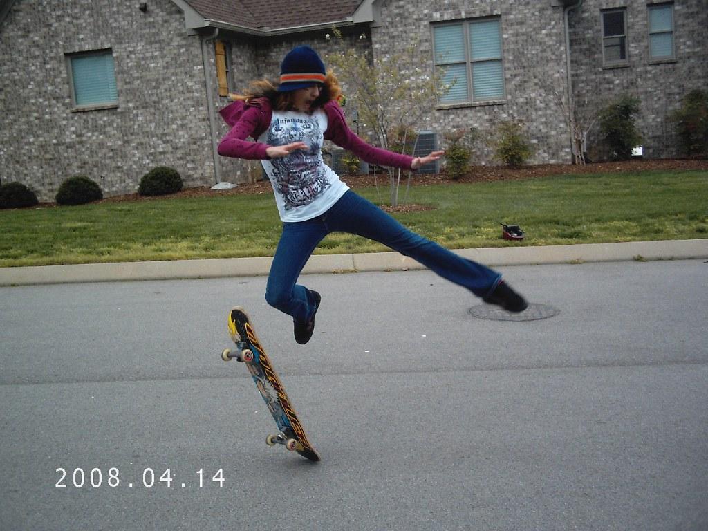 Skateboard girl skateboard girl fixdaserver flickr skateboard girl by fixdaserver skateboard girl by fixdaserver voltagebd Gallery