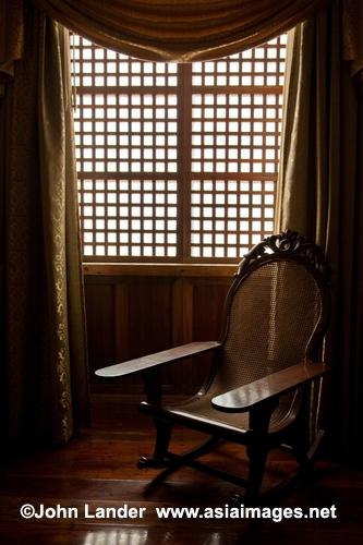 Filipino capiz shell windows windows made of capiz for Capiz window