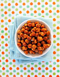 Spicy Roasted Chickpeas (Garbanzo Beans) | by CinnamonKitchn
