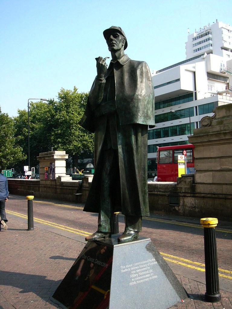 London - Sherlock Holmes Statue | Sherlock Holmes statue out ...
