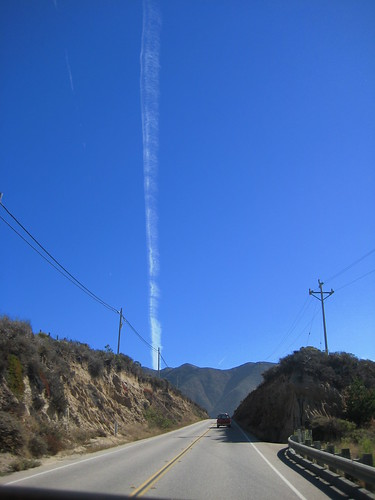 Vertical Contrail | by Mister Buckets Serious Time