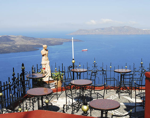 Santorini cafe | Sofia Spentzas | Flickr