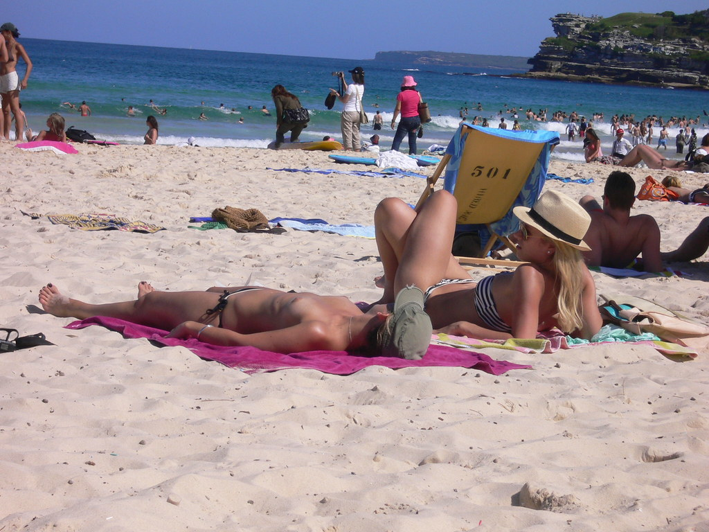 bondi-topless-pics-arabian-lady-pussy