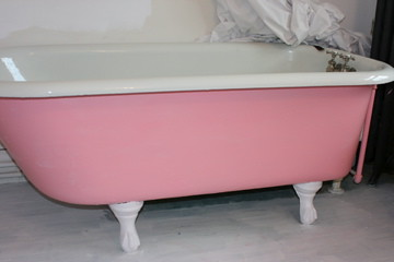 Pink Bathtub After A Coat Of Betsey Johnsons Recommendati Flickr