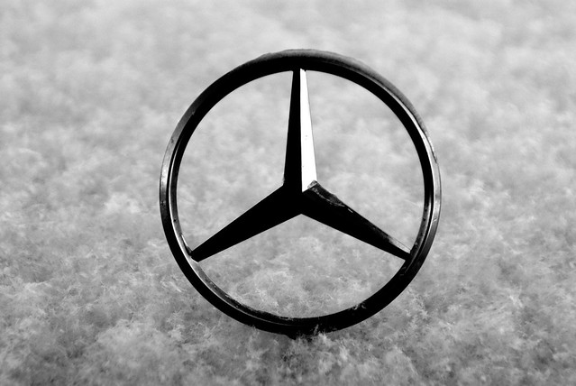 Mercedes benz hood ornament and snow flickr photo for Mercedes benz ornaments