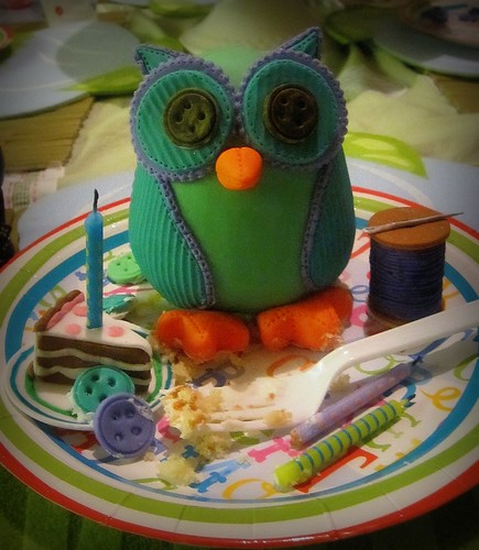 Stitched Sugar Owl Cake Topper | by Valentina of Valentina's Cake Design