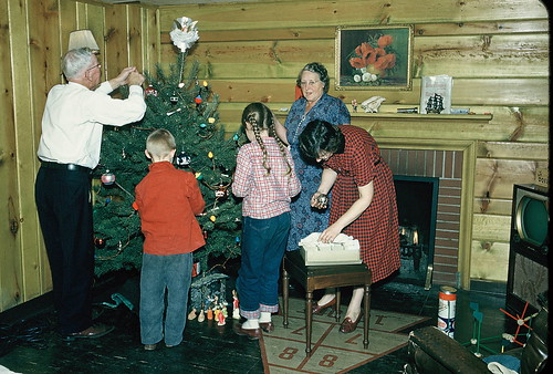 english christmas tree and grandma Available in japanese and english christmas time put the star on the tree i wanted to capture the christmas eve.