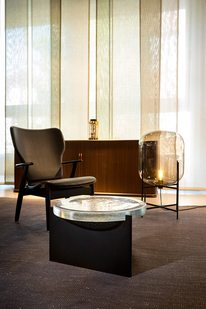 Shallow bowls and rounded coffee tables by German designer Sebastian Herkner Sundeno_06