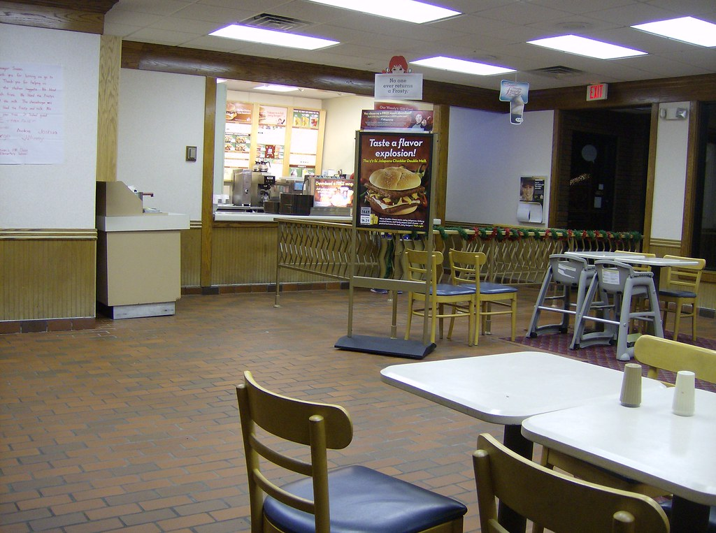 Wendy s interior  square feet