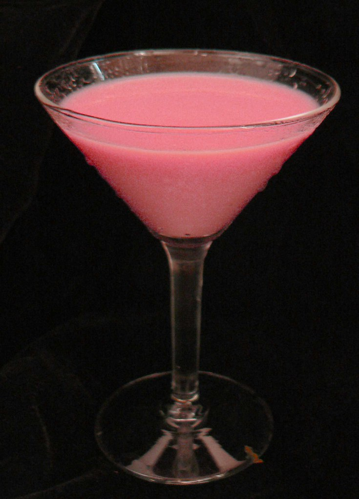 Pink squirrel mixed drink cocktail video mixed drink for Good alcoholic mixed drinks