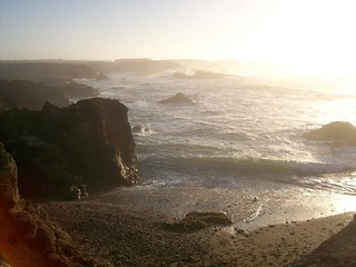 Approaching sunset over the Pacific at Glass Beach in northern California - glassbeach01 | by mlhradio