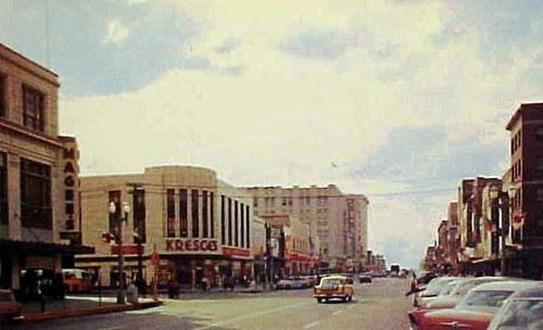 Lincoln, NE Looking west along O Street from 13th Street ...