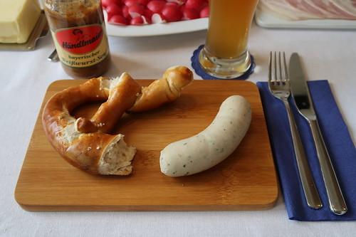 Brezel zu Weißwurst mit Bayerischen Weißwurstsenf