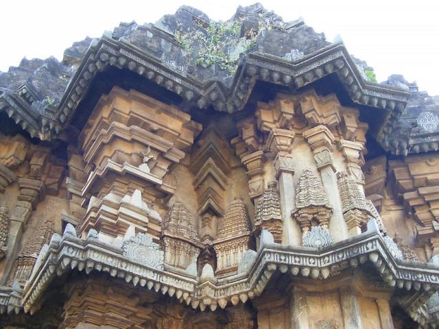 Bhadravathi beautiful hoysala architecture at for 76 2306 3