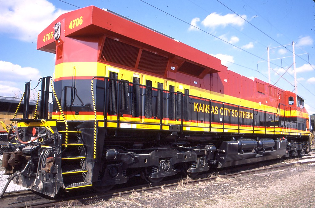 Kansas city southern southern belle 4706 in kansas city mo for Mid city motor world used cars