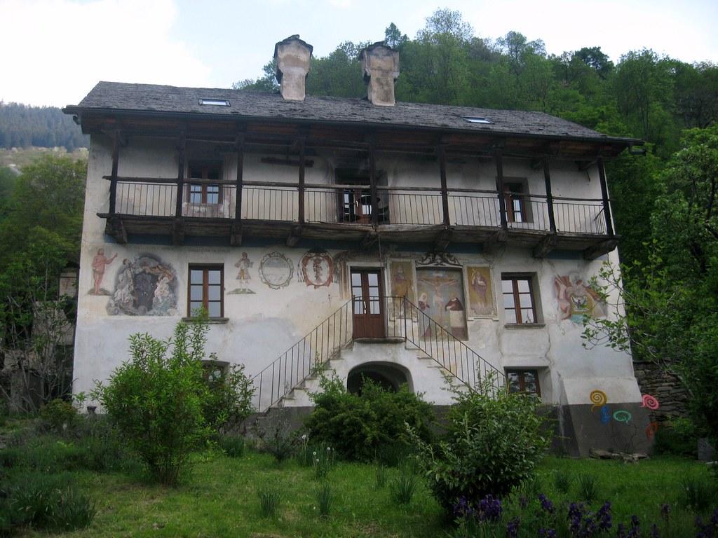 Marolta casa romagnolo la casa stata costruita tra for Casa costruita