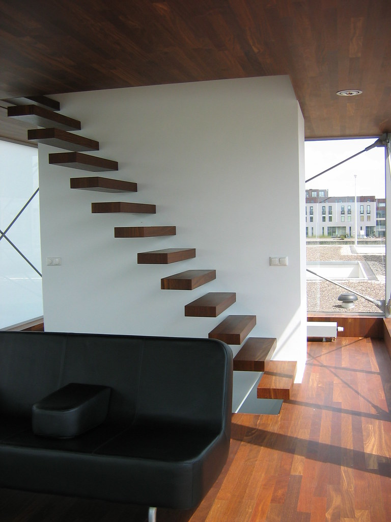 Zweef trap zweef trap ontwerp bosch architechten for Buitenste trap ontwerp